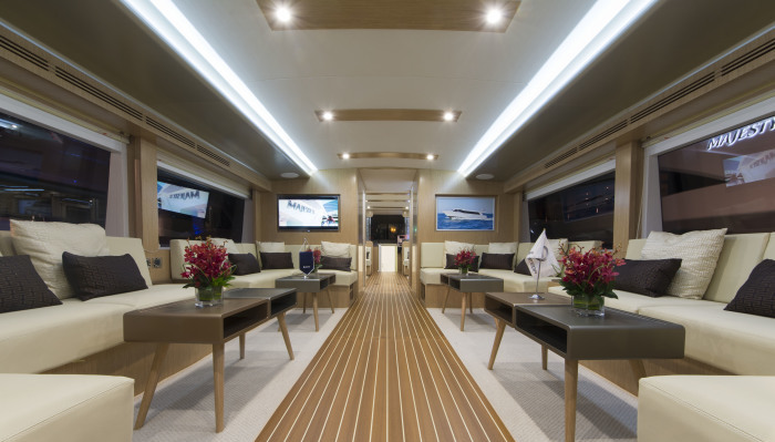 Waveshuttle 56: A high speed luxury water bus is not a ferry