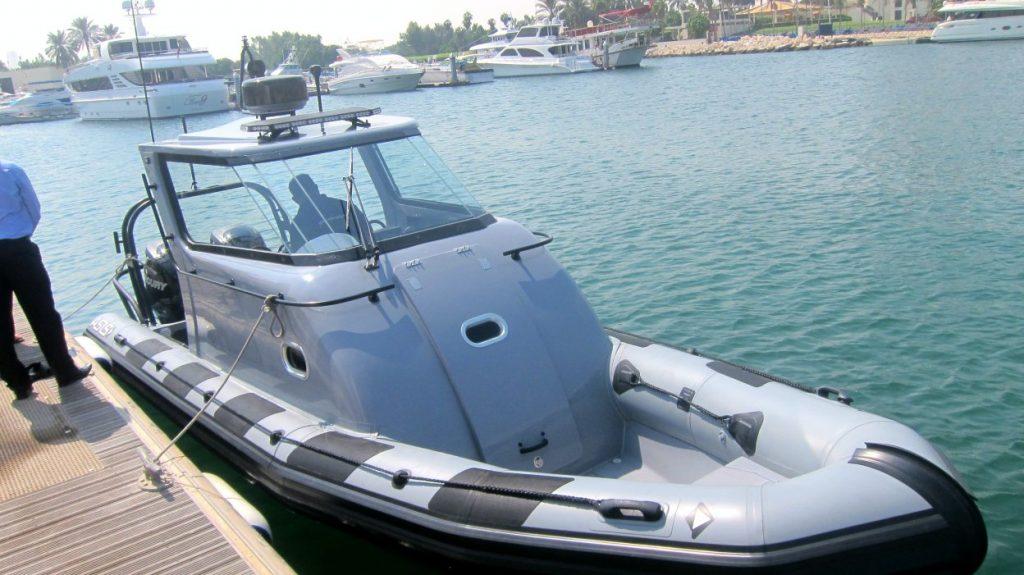 Inspection du bateau pneumatique semi rigide rib 8 0 - Bateau pneumatique semi rigide ...